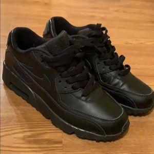 Air max 90 triple black gs size 6